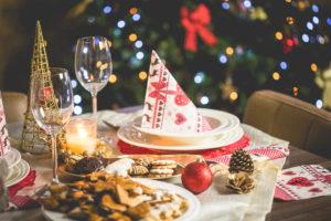 Gedekte tafel voor de feesdagen